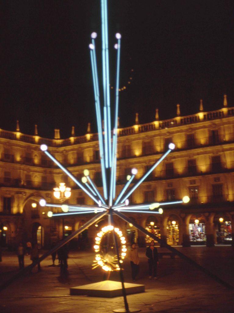 Árbol de navidad de la plaza mayor de Salamanca en 1983