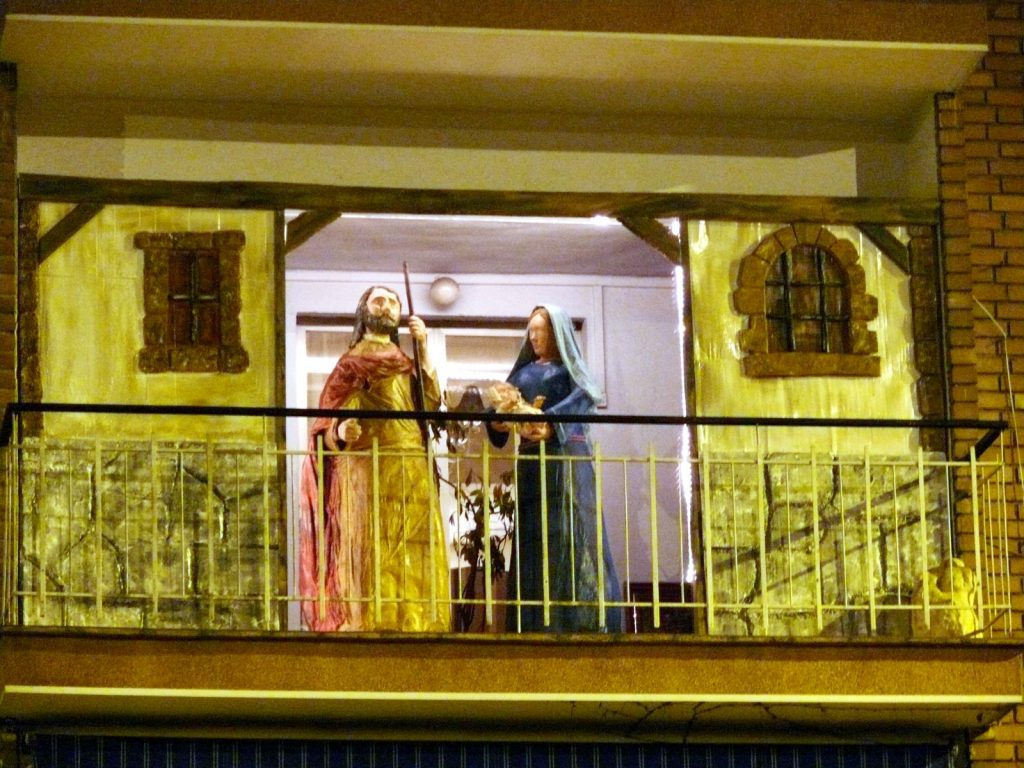 Belén en un balcón