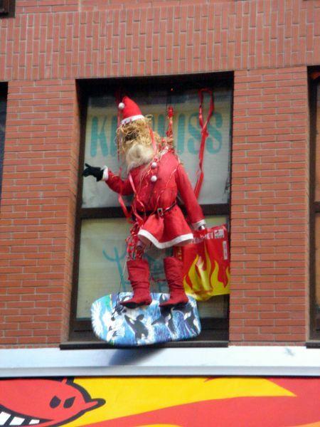 Papa Noel surfista