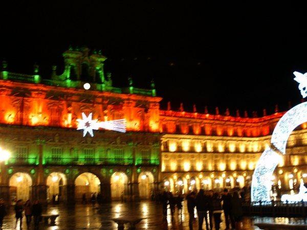 Plaza mayor de Salamanca con decoración navideña